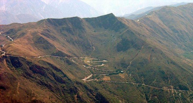 mesa de los santos, bucaramange Colombia   Carreteras en la cordillera de los Andes
