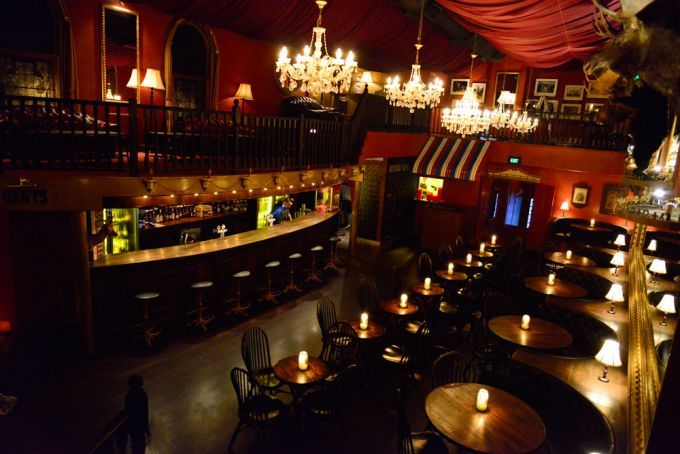 brisbane - Lefty's Old Time Music Hall bar