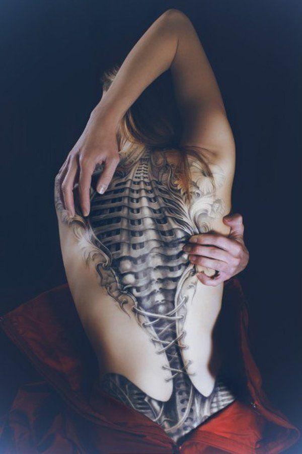 Tattoo-Ideen-3D-Motive-Ideen-Frauen-Rücken