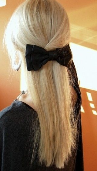 always a bow.: Blondes Hair, Cute Bows, Long Hair, Black Bows, Hairstyle, Hair Bows, Hair Style, Big Bows, Hair Color