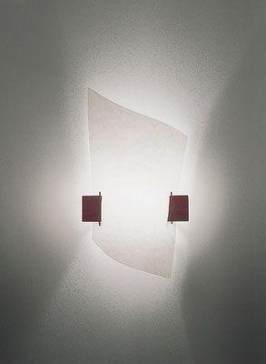 DOMUS 木製ブラケットライト PLAN B  ハンドメイドのペーパーの様な風合いのシェードからやさしく漏れるひかりが美しいブラケットです。洋室にも和室にもマッチするデザインです。