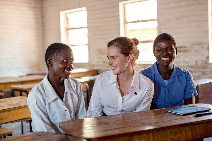 Emma Watson s'engage contre les mariages précoces (Photos)