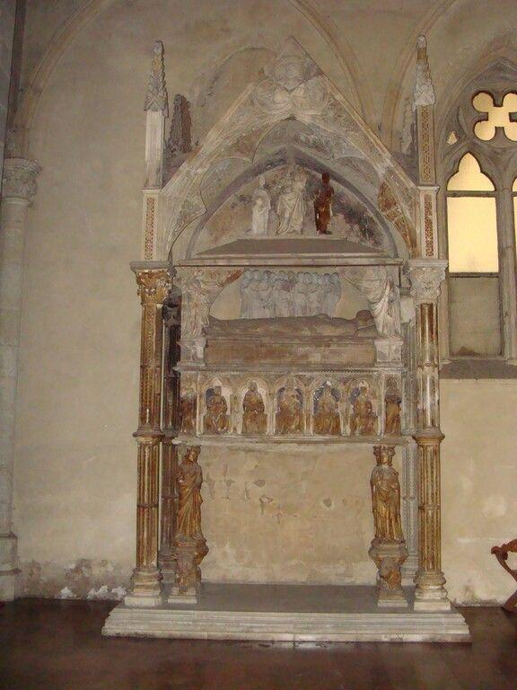 Tino di Camaino, Monumento funebre di Maria di Valois, 1332-1333, Santa Chiara, Napoli