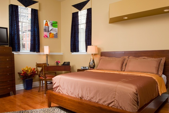 30+ hotels offer the Philly Overnight® Hotel Package, a two-night package that includes free hotel parking.