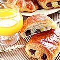 Viennoiseries pains au chocolat & croissants fourrés aux amandes { Pas-à-pas en images } -