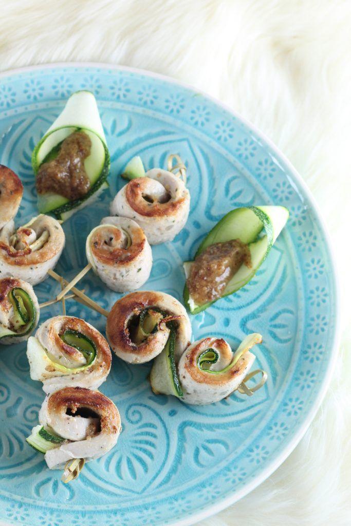 Heute gibt es eine Kurzanleitung für Weißwurst-Zucchini-Spieße. Einfach zu machen und eine leckere Abwechslung auf dem Grill. Hier klicken fürs ganze Rezept.
