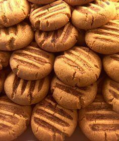 Kahveli kurabiye tarifi,kahve sevenlerin favorisi.Mis gibi türk kahvesinin kokusunu ve aromasını kurabiyede yaşamak isteyenler için mükemmel bir tarif