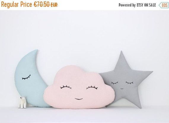 Set of three pillows - light pink cloud, mint moon and gray star with hand printed faces.  Fabric 100% cotton on both sides of the pillows and hypoallergenic poly fiber filling insert.  Cloud - 43x28cm (17x11) Moon - 35x20cm (14x8) Star - 35x35cm (14x14)  Machine wash 30C.  All our pillows - https://www.etsy.com/shop/ProstoConcept?section_id=17377381  Find us at https://www.facebook.com/prostoconcept https://instagram.com/prostoconcept  Back to the shop…