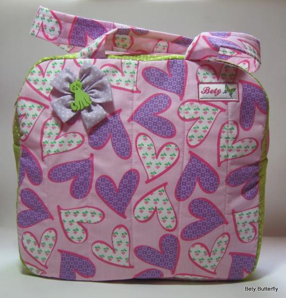 Um mimo essa bolsa organizadora...cabe tudo dentro, para viagem levo secador, chapinha, babyliss, outros aparelhos e acessórios <3 R$45.00