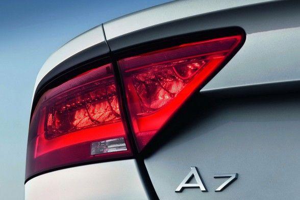 2012 Audi A7 Sportback exterior A7 logo rear details 588x392 Audi A7 2012