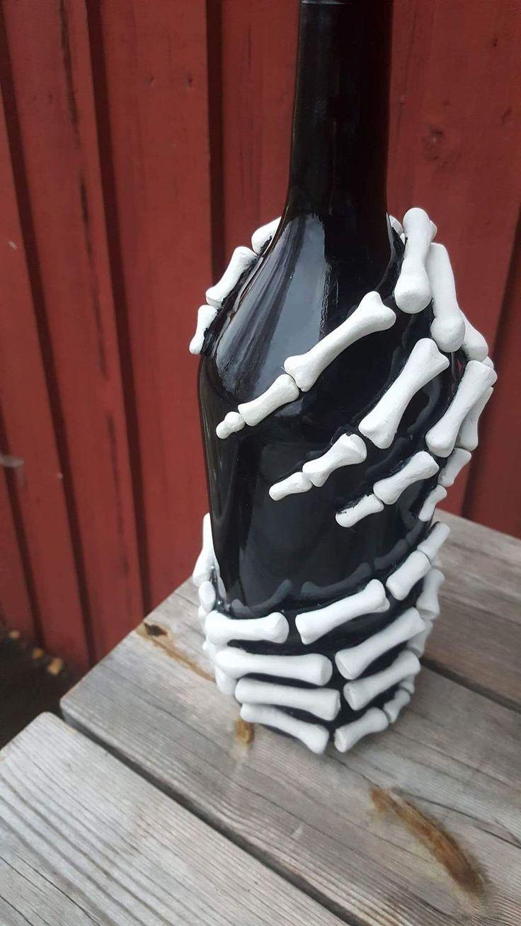 Make these skeleton bottles for Halloween Liquor bottle