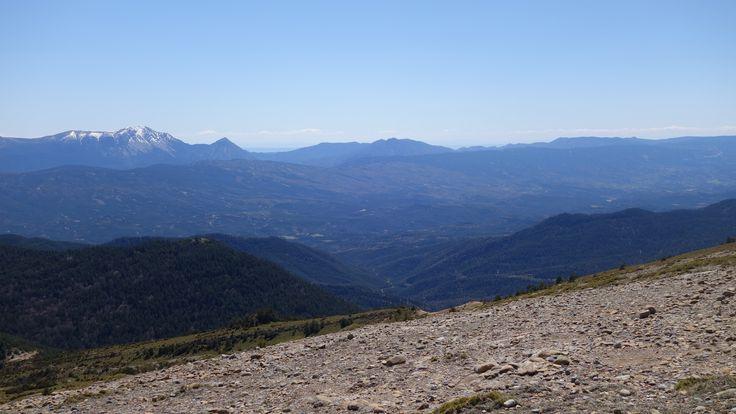 Valle de la Guarguera y las caras norte del Tozal de Guara (2077 metros), Fragineto (1750 metros) y del pico del Águila (1620 metros)