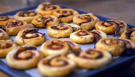 Chorizo and lemongrass pastry puff scrolls recipe for Chorizo canape ideas