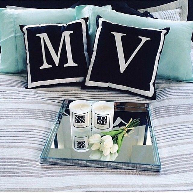 """""""Подушки Monogram и  зеркальный поднос Vogue от  HPDECOR - это всегда преображение вашего дома в стильный и роскошный интерьер."""""""