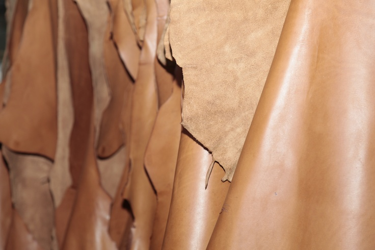 Vélez for Leather Lovers | Cuero café