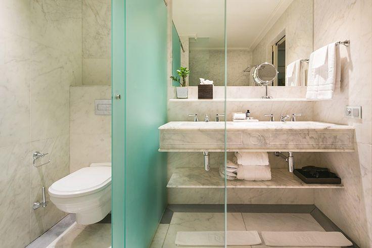 Villeroy & Boch equipa los baños de las habitaciones del Hotel Majestic, un lujoso hotel de 5 estrellas situado en el Paseo de Gracia, desde 1918 #Hotel #HotelMajestic #lujo #Barcelona #PaseodeGracia #Baño #wellness