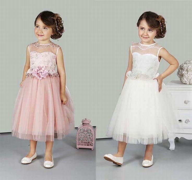 Deze prachtige jurk vind je bij Corrie's bruidskindermode. Ook zijn er…