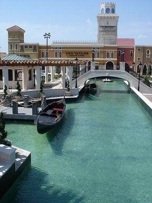 San Marcos Premium Outlets, Shopping Fun, Texas.