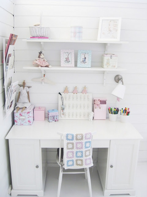 lovely working space... kids room