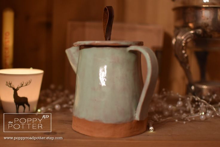 Two person teapot http://bit.ly/poppypotter