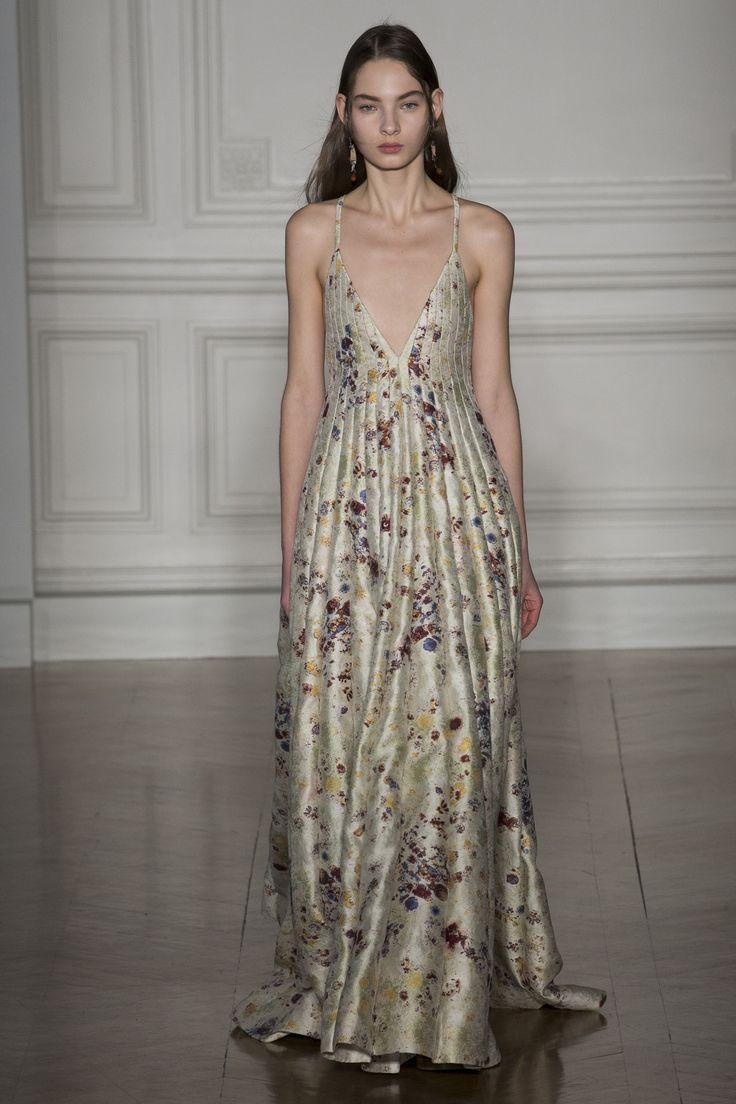 Défilé Valentino Haute couture printemps-été 2017 24