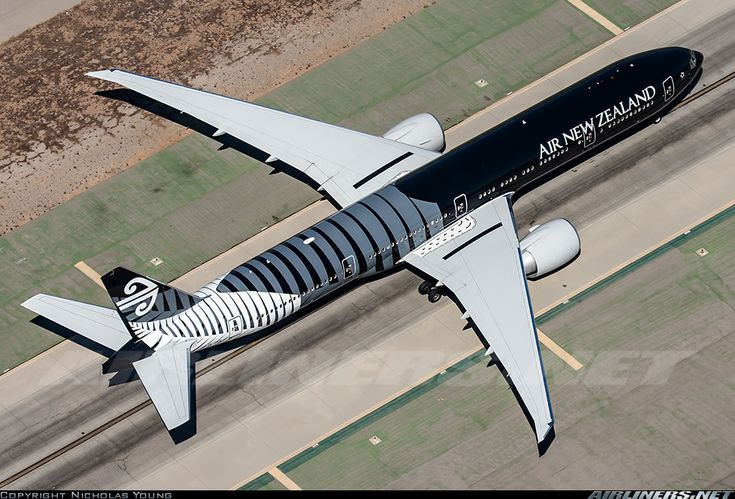 """Airliners.net - An overview of the beautiful Air New Zealand """"All Blacks"""" 777 at LAX. Nicholas Young"""