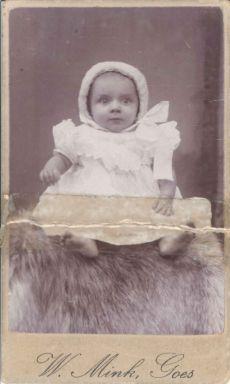 421. Nellie Rooze Geboren 29 Augustus 1912 8 maanden oud Ma Aertssen
