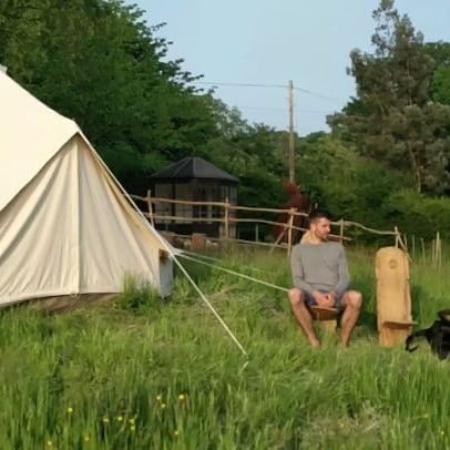 Doing a #workaway project near the South coast of England and we live in a tent!  #camping #budgettravel #dog #facebookvideo