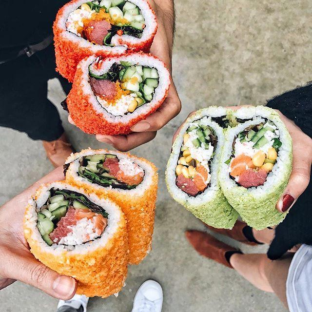 Had to show Australian native @taramilktea the sushi burritos from @thelowkeypokejoint! :raised_hands: #flatlay #flatlays #flatlayapp www.flat-lay.com