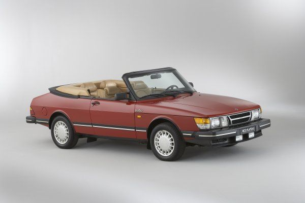 Workshop information software for SAAB (1982-2009) covering: 900 S/convertible/sedan/S coupe/S sedan, 9000 Hatchback/Sedan/Aero/CS/CSE, 9-3 (9400) Convertible/Coupe/Viggen/Viggen coupe/ Viggen convertibel/SE sedan, 9-5 (9600) Sedan/SE sedan/Wagon/Aero/Aero wagon, 9-2X, 9-7X, 9-3 (9440). Need all 2 parts to work.
