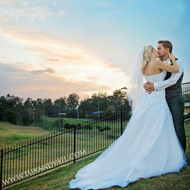 Nothing like a gorgeous sunset wedding photo Beautiful sky, beautiful bride and groom  #weddingphotography  #love #romanticsky #brideandgroom