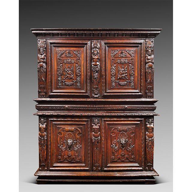 19th C French Renaissance Revival Buffet Deux Corps Avec Images Mobilier De Salon Beaux Meubles Buffet