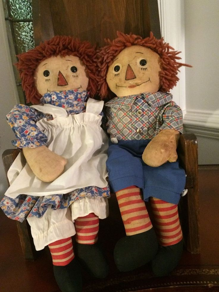 Georgene Raggedy Ann and Andy With Rare Black Outlined Nose