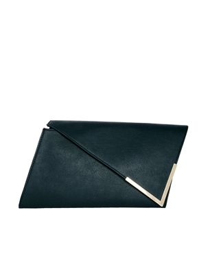 Want to try to make this myself! Asymmetric Clutch Bag