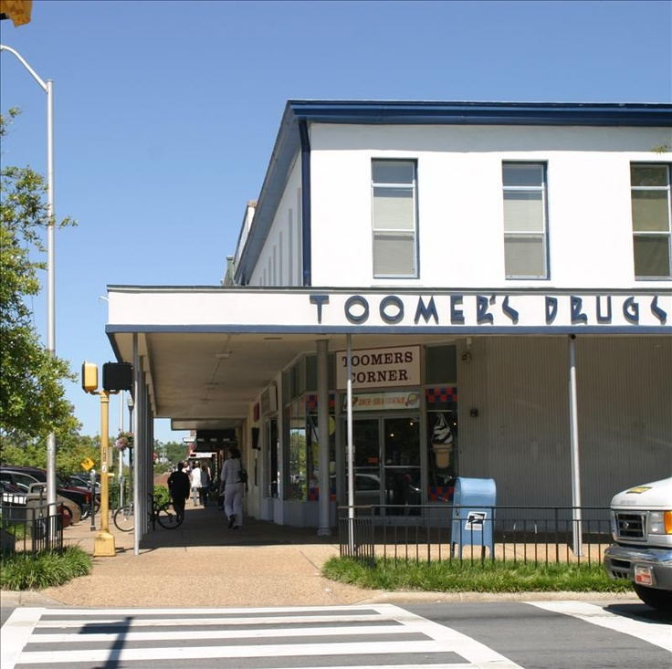 Toomer's Drugstore at Toomer's Corner: Auburn Stuff, Toomer Corner, Auburn Lovin, Auburn Univ, Auburn Tigers, Auburn Football, Corner Auburn, Anyon Toomer, Auburn Al