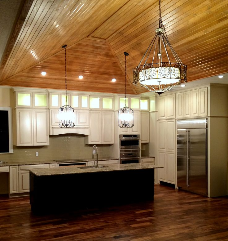 White Cabinets From Wellborn Forest. By Mariou0027s Cabinets In Tampa.