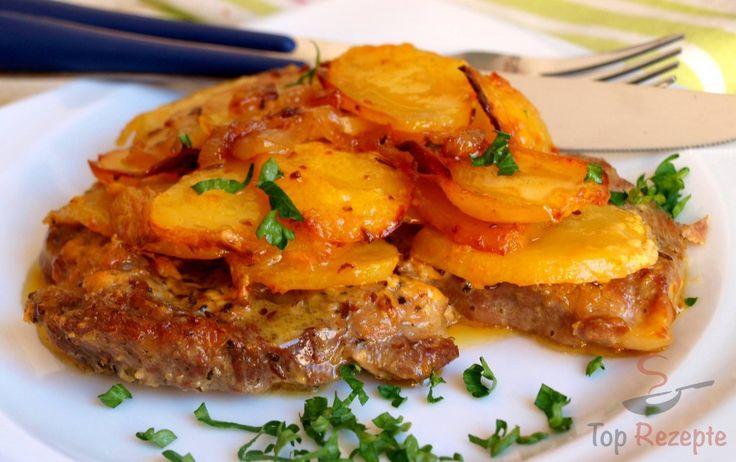 Ein fantastisches Mittagessen. Das Fleisch ist bei uns ganz klassisch Schweinenacken, man kann aber auch Schweinekoteletts oder -rippchen verwenden, bzw. die Hähnchenfleisch-Fans können die Hähnchenkeulen oder die -brust nehmen. Dazu kommen knusprige Kartoffeln, mit Paprika- und Currypulver gewürzt. Das alles wird in einer Auflaufform mit Sahne überbacken. Die Kartoffeln haben dann eine leckere Kruste.