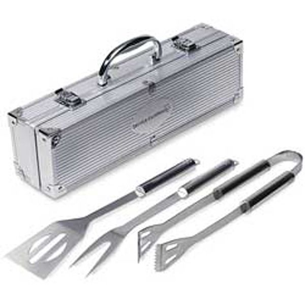"""#Giveaway for #Stampede ! 3 piece barbeque set. Includes tongs, spatula, and fork. Aluminum case. Measures 14 5/8"""" W x 4"""" H x 4"""" D. Utensils are made of stainless steel."""