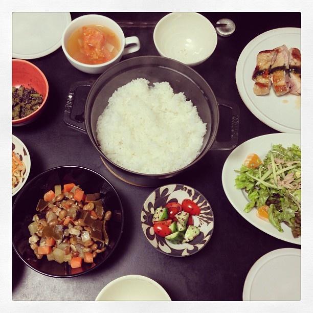 ごはん美味しくて二人で二合食べました。節分豆の煮物 鶏肉のバジルソースとか#sakeat - @sakkn- #webstagram