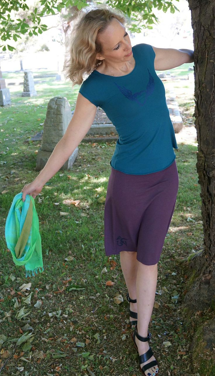 Deep Teal Bamboo Cap Sleeve Tee and Eggplant Bamboo Skirt from SQUEEZED YOGA CLOTHING http://squeezed.ca/shop/charcoal-bamboo-cap-tee-with-vine