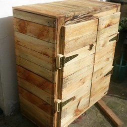 Homemade dresser with wooden pallets recycling. Idea sent by Lucile Mortier !