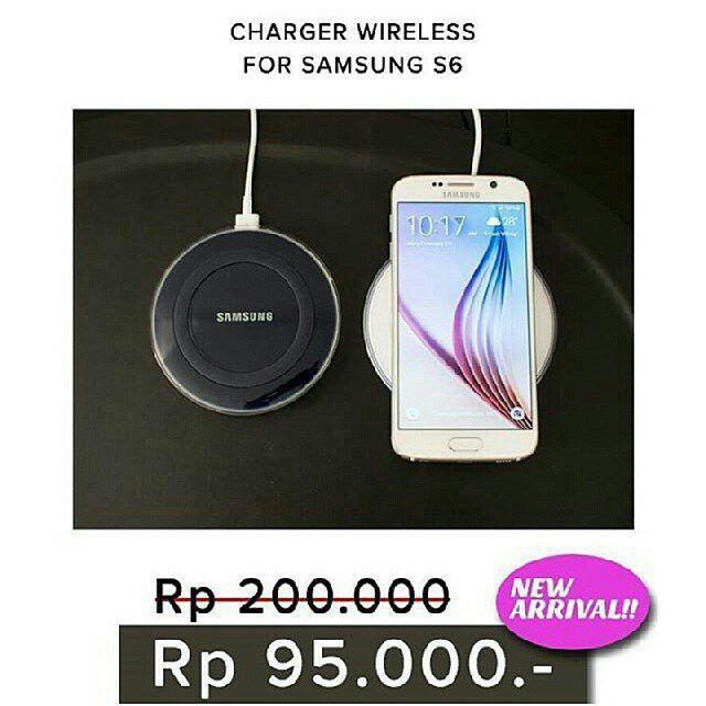 Charger Wireless for Samsung S6  Tidak seperti kebanyakan pengisi daya konvensional Pengisian pada Samsung Wireless ini adalah unik dan indah dalam desain.  Bentuknya yang jelas kaca dan mengkilap menambahkan sentuhan kecanggihan dan memungkinkan untuk cocok dengan berbagai pengaturan interior.  Pengisian ponsel kamu lebih mudah dari sebelumnya dengan Charger Samsung Wireless. Tidak perlu menyambungkan kabel ke smartphone kamu - hanya menempatkan perangkat mobile kamu pada pad charger dan…