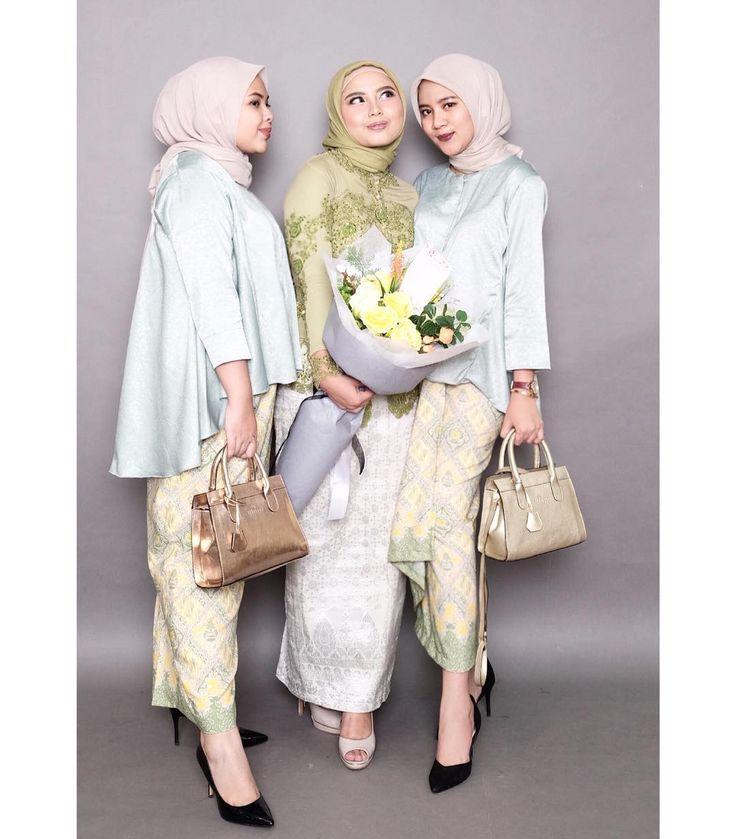 "447 Likes, 8 Comments - Rosa Abhal Anggini (@rosabhal) on Instagram: ""blouse olla + kain lilit by @abinaya.butik  Seon bag by @kian.id  Bouquet by @de.fleurjakarta"""