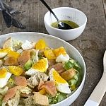 Salad with smoked salmon and egg