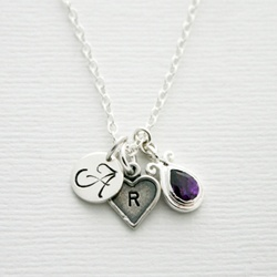 Moederketting met initialen.  Initial necklace.