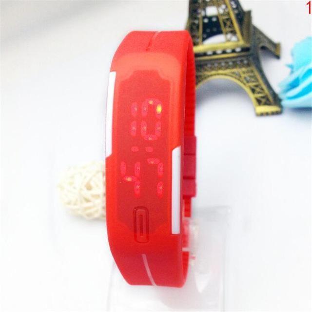 New LED Electronic Hand Ring Digital Watch Waterproof Rectangular Silicone Mini Watch Sports Clock Women Watches Horloge B37