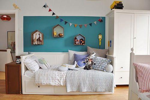 Dormitorio de niño azul de 6 años