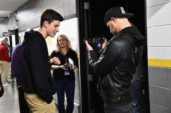Shawn Mendes Photos - Shawn Mendes (L) attends KISS 108's Jingle Ball 2014, presented by Market Basket Supermarkets at TD Garden on December 14, 2014 in Boston, Massachusetts. - KISS 108's Jingle Ball 2014 - Backstage