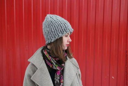 Купить или заказать шапка из толстой пряжи в интернет-магазине на Ярмарке Мастеров. Шапка из очень толстой пряжи ручной работы . оригинальный и очень стильный аксессуар который дополнит ваш образ. Шапка выполнена из австралийской шерсти 97% шерсть, 3 % эластан. мягкая и очень очень теплая! Эту чудесную шапку можно носить тремя способами, она будет выглядеть очень оригинально и по разному, как если бы у вас было три разные шапки.