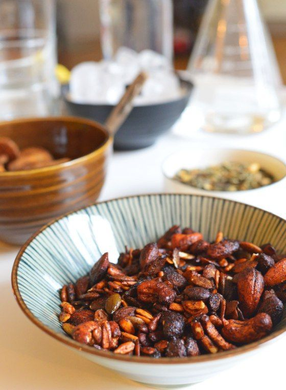 Sriracha- och honungsrostade nötter och frön
